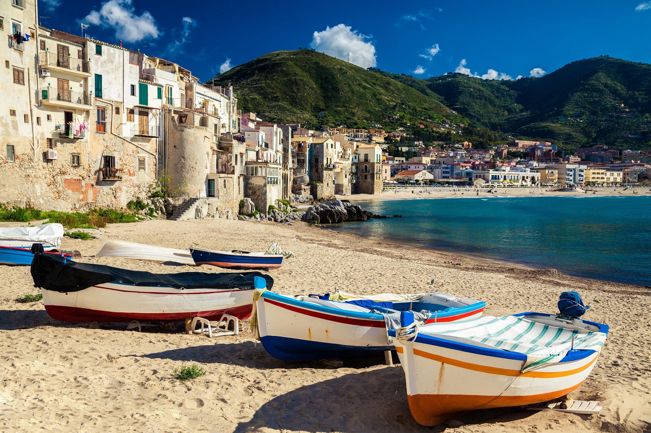 Boats_on_Beach_Sicily