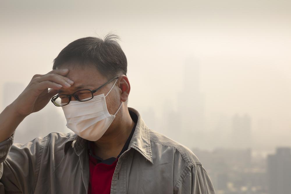 Wearing_Mask_in_Heavy_Smog
